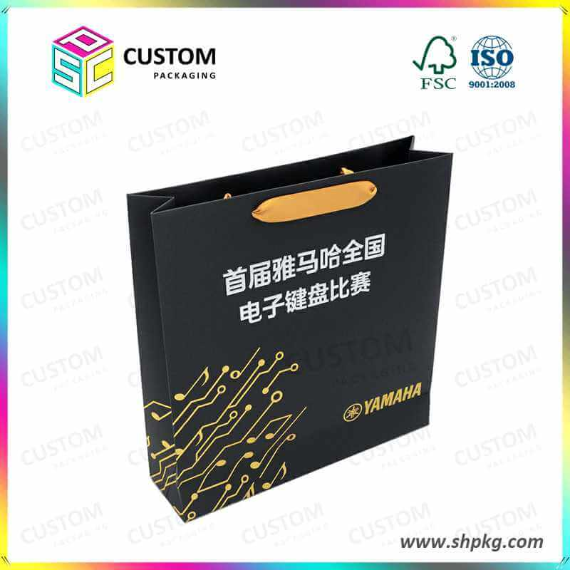 black shopping bag with handle hole