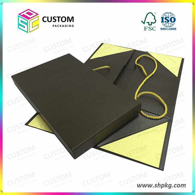 Gift box with nylon closure nylon handle
