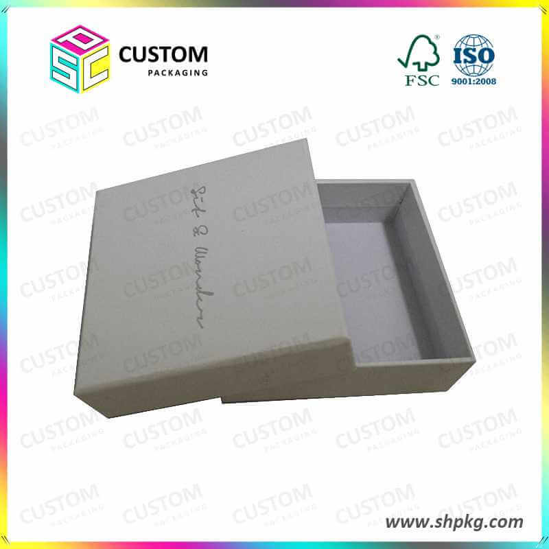 Small gift box paper packaging